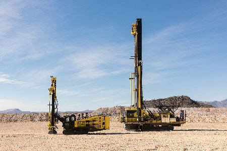 Komatsu expands its opencast drill product line