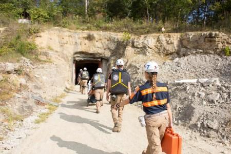 BossTek sponsors mining scholarship