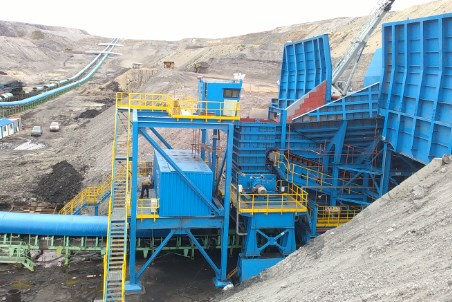 Thyssenkrupp awarded with the supply of three semi-mobile-crushing-plants for opencast mine